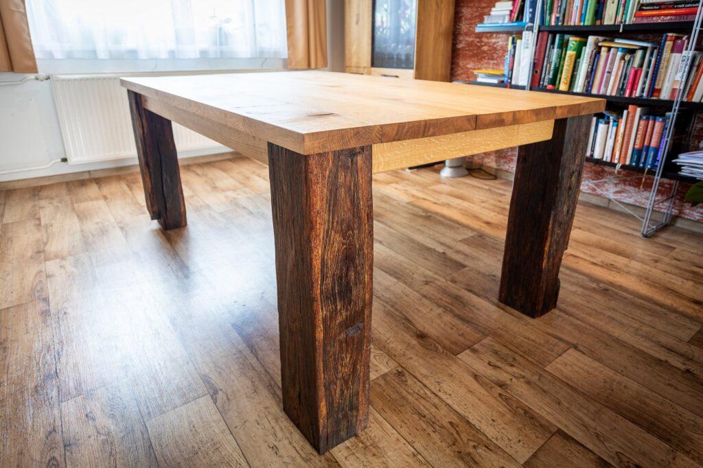 jídelní stůl # 1